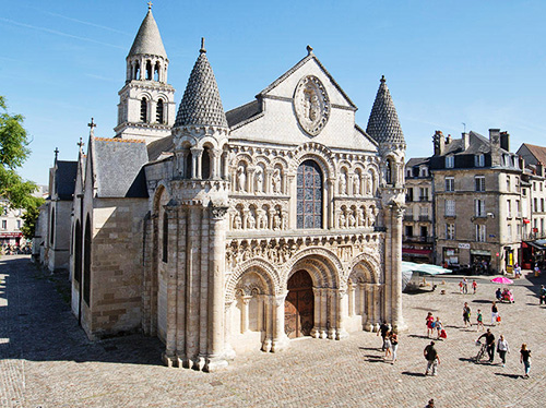 parcours gonflable poitiers